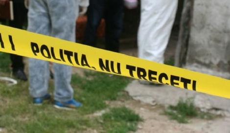 Șocant! Polițiștii din Harghita caută un bebeluș mort și îngropat de concubinul mamei