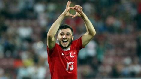 Cenk Şahin, dat afară de la Sankt Pauli, după ce a susţinut armata turcă într-o postare pe Instagram