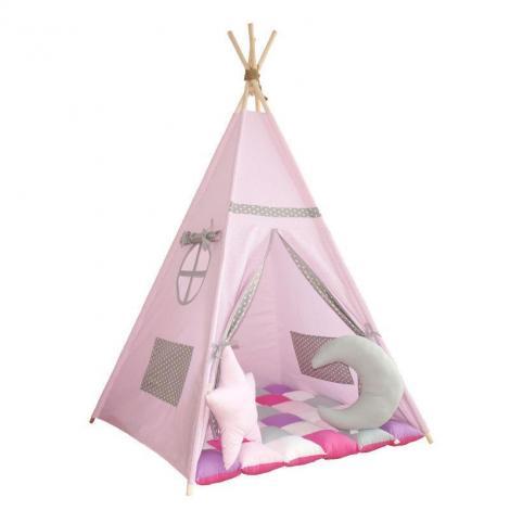 Poveștile prind viață într-un cort pentru copii