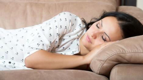 Incredibil! O femeie a dormit timp de 59 de zile. Care este boala de care trebuie să te ferești