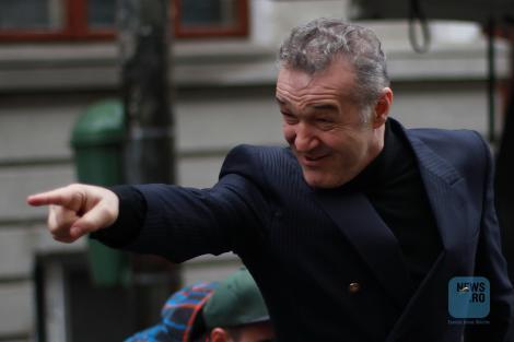 Becali l-a găsit vinovat pe Mihai Stoica şi pentru faptul că nu l-a transferat pe Mitriţă; Despre posibilitatea revenirii lui Stoica la FCSB: Nu am nevoie de el, dar are uşa deschisă