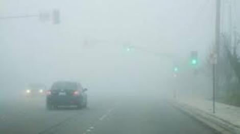 Atenție șoferi! 11 județe aflate sub cod galben de ceață: Ce se întâmplă cu vremea