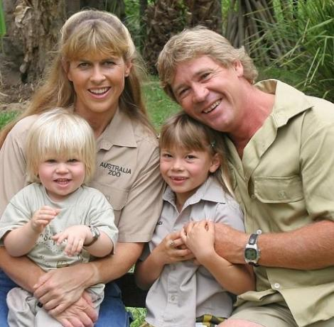 """Steve Irwin zâmbește din Cer! Bindi, fetița lui neînfricată, se mărită! Cum arată azi copiii """"vânătorului de crocodili"""""""