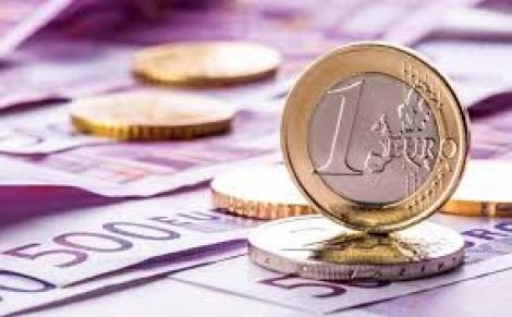 BNR Curs valutar 22 octombrie 2019. Euro crește peste 4.76