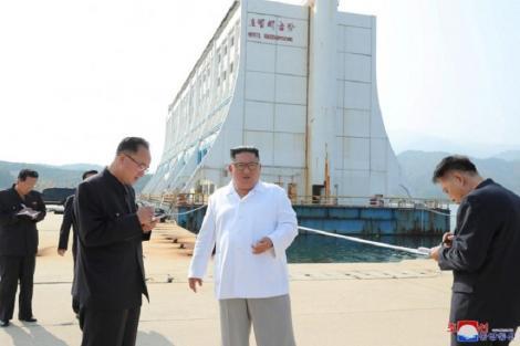 """Kim Jong-un a ordonat demolarea unor clădiri """"inestetice"""" de pe muntele Kumgang ale Coreii de Sud"""