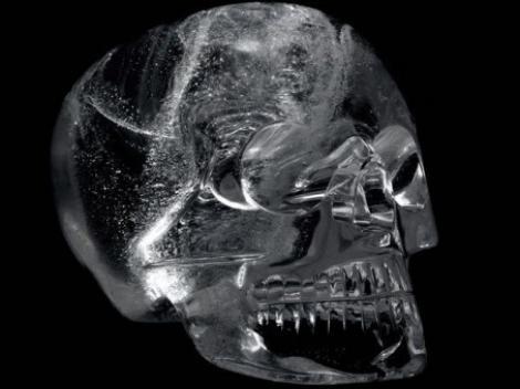 """Craniile de cristal: Invenția vechilor civilizații sau creația extratereștrilor? """"Blestemăția asta nici nu ar trebui să existe"""""""