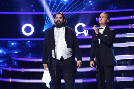 """Șerban Copoț și Cezar Ouatu i-au adus pe scenă de la """"Te cunosc de undeva!"""" pe Luciano Pavarotti & Eros Ramazzotti: """"Vă mulțumesc pentru acest moment!"""""""