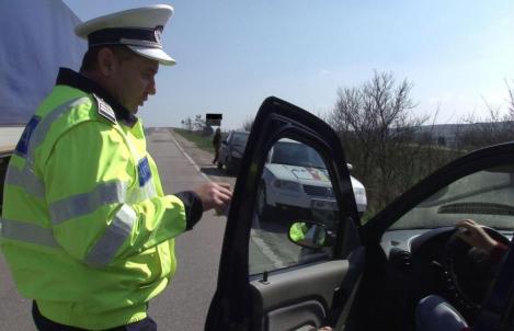 """""""Era aproape în comă alcoolică!"""" Șofer de 60 de ani, prins beat la volan."""
