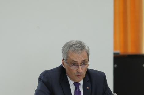 Senatorul Marcel Vela, propus la Interne, a fost avizat în comisiile de specialitate. El a vorbit despre desecretizarea dosarului violenţelor din 10 august din Piaţa Victoriei şi despre o analiză a activităţii DSU