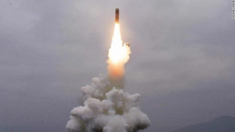 Coreea de Nord a confirmat testarea unui nou tip de rachetă balistică, lansată de pe mare şi capabilă să transporte o armă nucleară