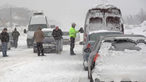 Primele ninsori în România. Ce amenzi riști dacă nu ai cauciucuri de iarnă