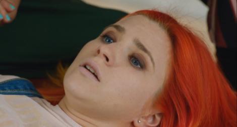 """Panică la """"Sacrificiul""""! Iris, supărată că părinții vor să o mărite, s-a prăbușit! Au chemat salvarea! """"O să mor!"""""""