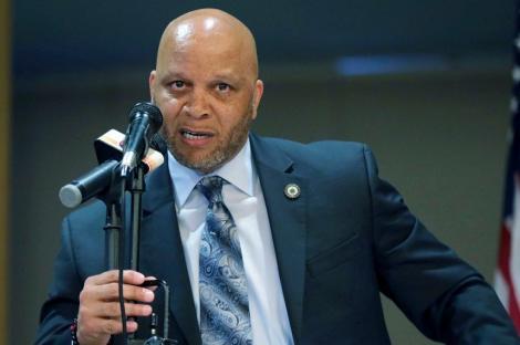 Primarul din Atlantic City a furat 87.000 de dolari din programul de baschet pentru tineret, şi-a recunoscut vina şi a demisionat