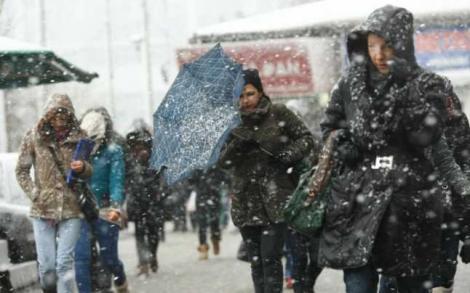 Vremea pe 15 zile. Ninsori în România! Prognoza meteo pentru următoarele două săptămâni