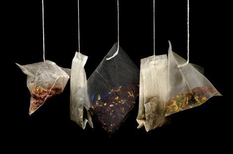 Te vei gândi de două ori înainte să mai consumi ceai la plic! Iată ce pericole te așteaptă