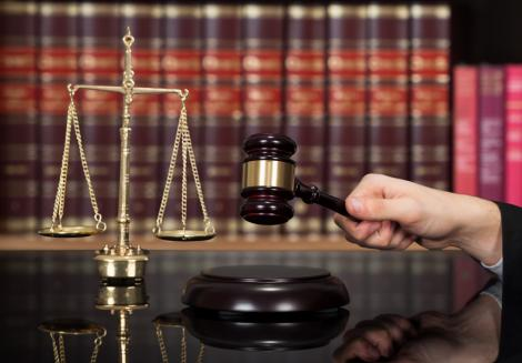 Fost procuror de la Parchetul de pe lângă Înalta Curte de Casaţie şi Justiţie, condamnat definitiv la patru ani de închisoare pentru luare de mită