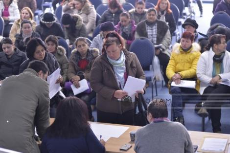 STUDIU: Unu din trei români este expus în continuare riscului de sărăcie şi excluziune socială