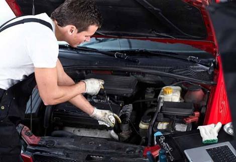 Inspectorii Registrului Auto Român au amendat cu 1,22 milioane lei mai multe service-uri auto