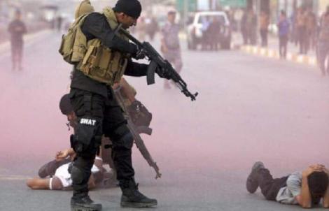 Jurnalistul irakian Muntazer al-Zaidi, care a aruncat cu pantoful în George W. Bush, devine un purtător de cuvânt al protestelor antiguvernamentale