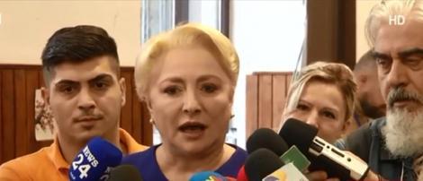 Alegeri Prezidențiale 2019. Viorica Dăncilă s-a prezentat la urne alături de soțul ei. Ce a declarat după ce a votat