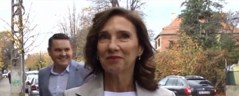 Alegeri Prezidențiale 2019. Carmen Iohannis a făcut o gafă la secția de votare! Ce a spus soția actualului președinte al României - Video
