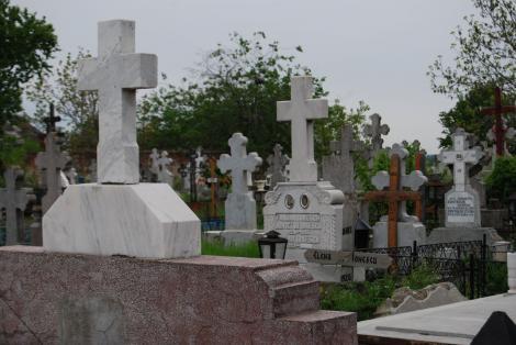 Descoperire macabră în Dolj, imediat după alegeri! Bărbat găsit spânzurat de o cruce, în Dolj! Ce s-a întâmplat