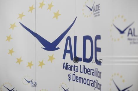 Buzău: Un senator ALDE face apel la partidele de dreapta să-l susţină pe Klaus Iohannis ân turul al doilea al alegerilor prezidenţiale
