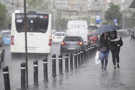 Alertă meteo! Ploile pun stăpânire pe România! În ce regiuni va ploua puternic, în următoarele zile
