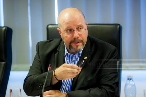 Viceprimarul Aurelian Bădulescu a sesizat CSM, acuzându-l pe ministrul Economiei că avea cunoştinţă despre o sentinţă care încă nu fusese pronunţată