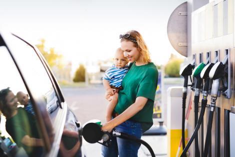 4 metode inteligente prin care să reduci consumul de combustibil în oraș sau în afara localității