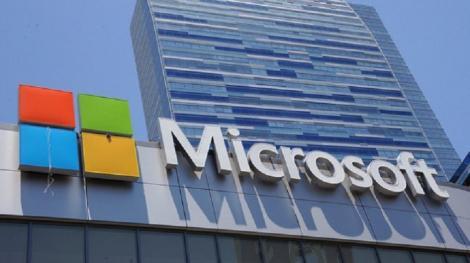 Microsoft actualizează termenii privind confidenţialitatea datelor în serviciile cloud, pe fondul unei investigaţii a Uniunii Europene