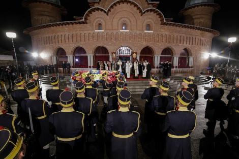 Parastas la doi ani de la moartea Regelui Mihai I, la Noua Catedrală Arhiepiscopală şi Regală de la Curtea de Argeş
