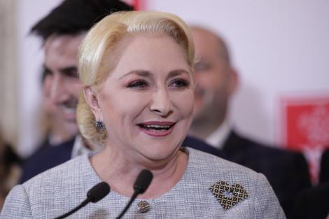 """Viorica  Dăncilă invită presa la """"un dialog deschis""""; întâlnirea, cu o oră înaintea dezbaterii organizate de Klaus Iohannis"""