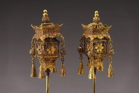 Podoabe regale din aur din perioada Wanli, dinastia Ming, în expoziţie la MNIR