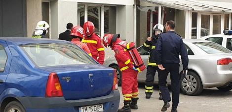 Alte cinci persoane, din care trei copii, care locuiau în blocul din Timişoara unde s-a făcut dezinsecţia şi deratizarea în urma cărora trei oameni au murit, au ajuns la spitale