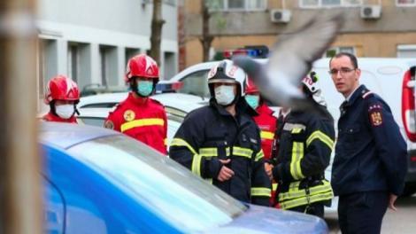 Noi informații despre tragedia de la Timișoara. Primii polițiști care au intrat în blocul în care au murit trei oameni au ajuns la spital