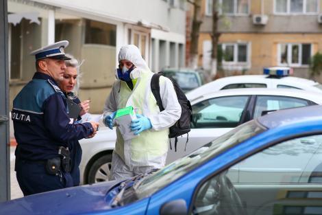 Timişoara: Nouă poliţişti care au intervenit în blocurile unde au fost folosite substanţe toxice au acuzat stări de rău şi au ajuns la spital