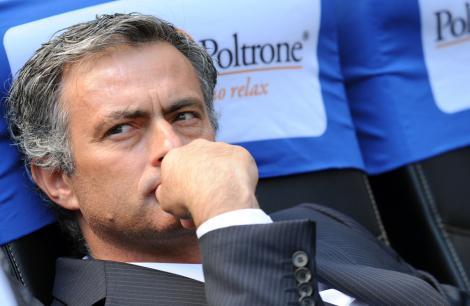 Mourinho: Când ajung la un club, port pijamaua clubului şi dorm cu ea