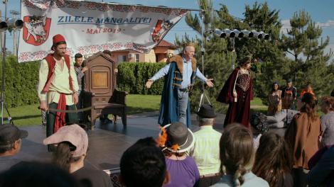 """Ce s-a întâmplat în """"Mangalița"""", episodul zece. Stelian Manole a suferit un șoc, la târgul organizat de ziua orașului! O afacere s-a dus pe apa sâmbetei, iar fiica lui a aplicat o lovitură sub centură"""