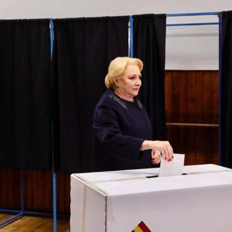 """Viorica Dăncilă, mesaj dur pe Facebook după ce a votat: """"Am votat pentru un președinte care nu fuge de muncă"""""""