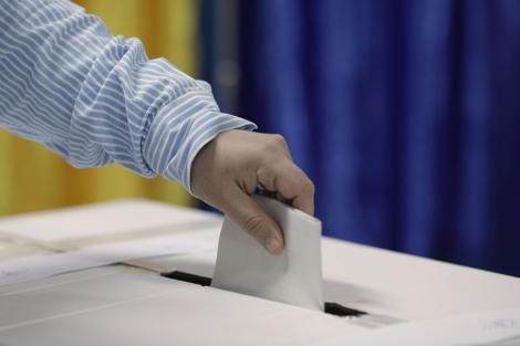 Alegeri prezidenţiale 2019 - MAE: Cea de-a treia zi a votului în străinătate pentru turul doi al alegerilor prezidenţiale continuă în 816 secţii de votare din Asia, Europa, Africa şi America