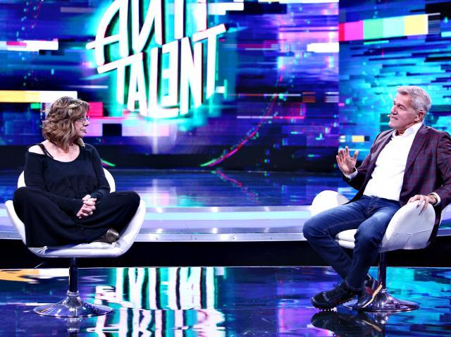 """Carmen Tănase, dezvăluire incredibilă! """"A venit tata, a zis să dau la actorie că m-o duce capul să învăț cinci poezii..."""""""