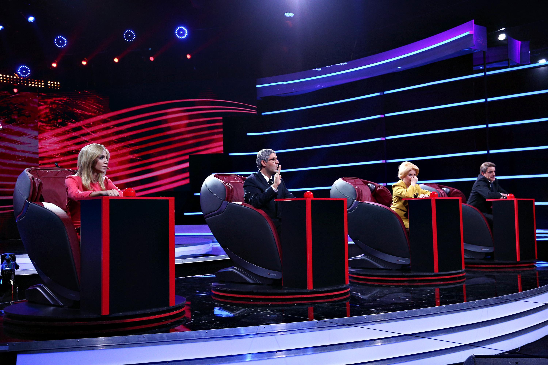 """Barna, Iohannis, Firea și Dăncilă dau note lui Ludovic, la """"Vocea Mâniei""""! """"Ai potențial..."""""""