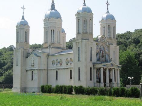 Biserici care poartă hramul Sfântului Andrei în București și în țară! Unde te poți ruga