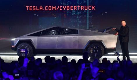 Noul model de la Tesla atrage tot mai mult atenția! Poliția din Dubai va cumpăra modelul Cybertruck