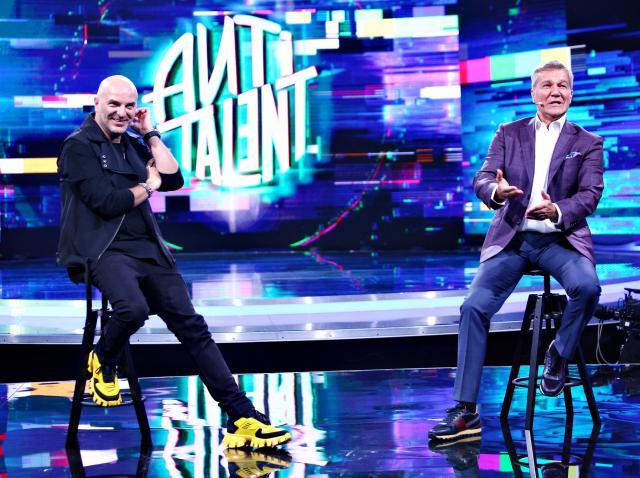 Dan Capatos, singurul moderator tv care a primit ca asistentă un bărbat, invitatul special din această ediție AntiTalent