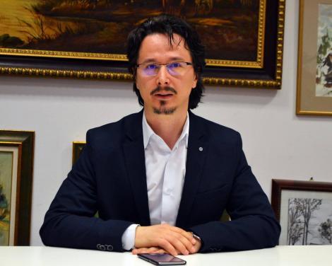 """Cristi Danileț a anunțat că toți cei șapte violatori din Vaslui sunt liberi """"grație recursului compensatoriu"""". Primiseră între 6 și 10 ani!"""