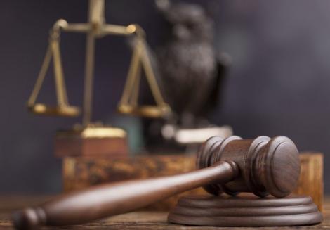 Fostul primar din Timişoara Gheorghe Ciuhandu, condamnat la trei ani de închisoare cu suspendare în dosarul finanţării echipei de fotbal Poli Timişoara