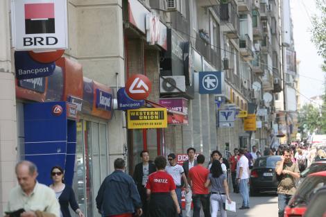 Lovitură de proporții!! Zece bănci din România riscă să dispară