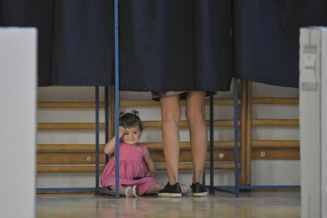 """Alegeri Prezidențiale 2019. Pericol imens pentru românii care vor merge la o secție de votare din Brașov! Cu ce boală s-ar putea alege. """"Nu s-a făcut dezinfecţie"""""""